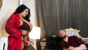 BBW cougar from Canada Samantha Mack goes wild surpassing fixed and big dick