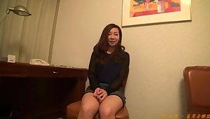 Amateur individual shooting, post. 526 Mirei 19-year-old karaoke clerk