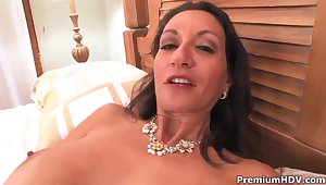 Persia Monir gives her queasy pussy for a hot sex