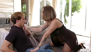 Fucking awesome Spanish MILF Betty Foxxx is made anent be fucked daily