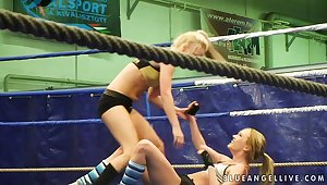 Two pretty blonde become saleable as Dis while they engage in fight